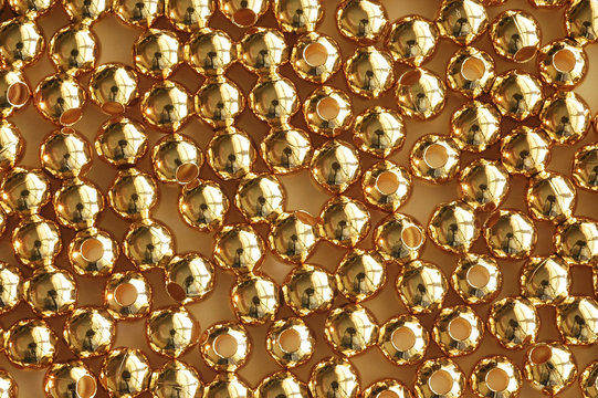 gold bead macro