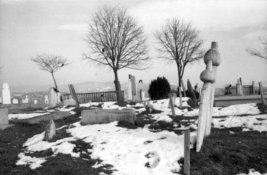ko022-332/cimetière 2