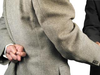 handshake... but finger crossed! (serie)