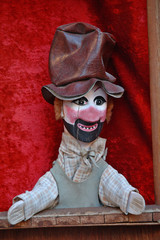 marionnette du théâtre deguignol (lyon france)