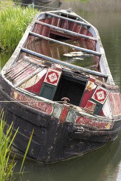 sinking narrow boat