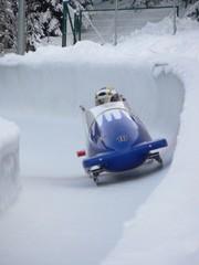 bobsleigh en sortie de virage