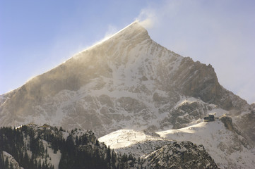 Wall Mural - sturm auf der alpspitze im winter