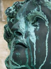 visage sculptural