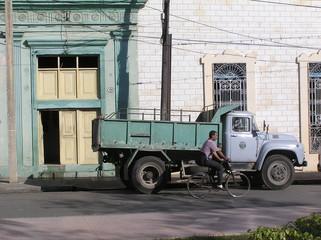 street scene  in cuba 2