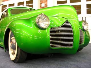 Tuinposter Oude auto s green vintage car