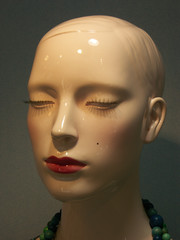 mannequin au grain de beauté