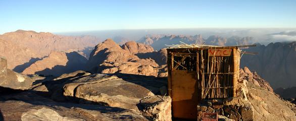 cabane en haut de la montagne