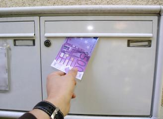 geld im briefkasten