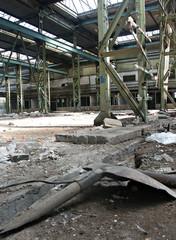 in einer alten fabrikhalle