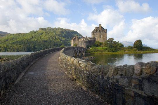 eilean donan castle, bridge over loch alsh