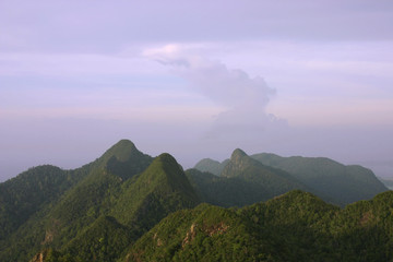 mat cincang mountains at dusk
