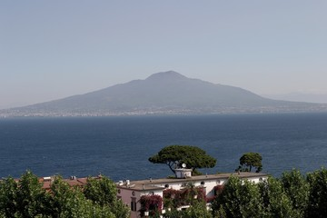 mt vesuvius from sorrento