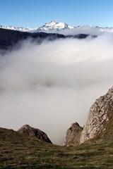 mer de nuages devant le montaigu