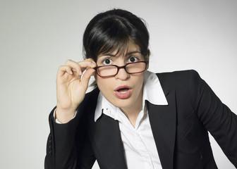 femme d'affaires surprise