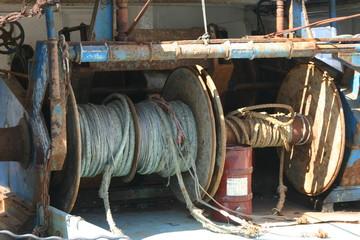 vieux cordage sur un bateau de peche