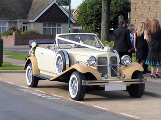 Tuinposter Oude auto s wedding car