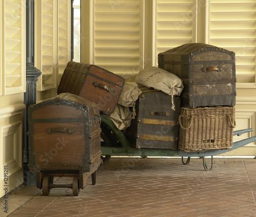vieilles valises photo libre de droits sur la banque d. Black Bedroom Furniture Sets. Home Design Ideas