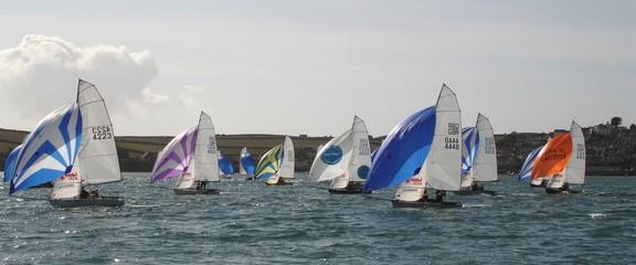 Spoed Foto op Canvas Zeilen sailing at rock