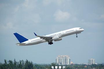boeing 757 jet in flight