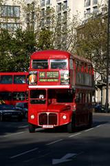 Papiers peints Rouge, noir, blanc london red bus
