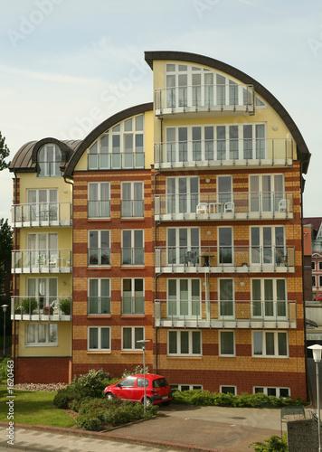 Modernes wohnhaus stockfotos und lizenzfreie bilder auf for Modernes haus berg