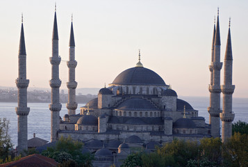 main mosque of istanbul - sultan ahmet camii (blue mosque) at ea