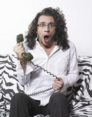 homme et téléphone