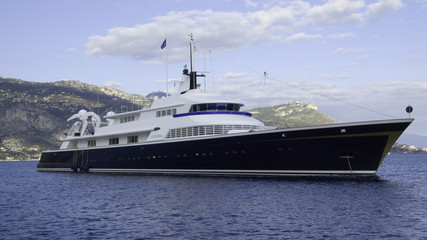 yacht the one