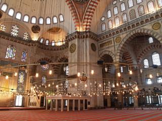 interior de la mezquita de suleyman el magnifico