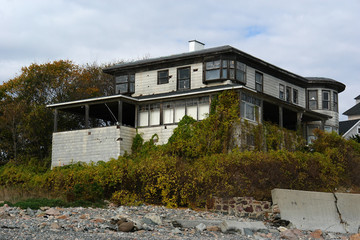 old abandoned beach house