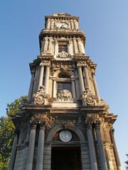 torre reloj en el palacio dolmabahce, estambul