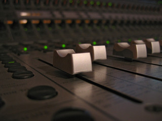 control faders
