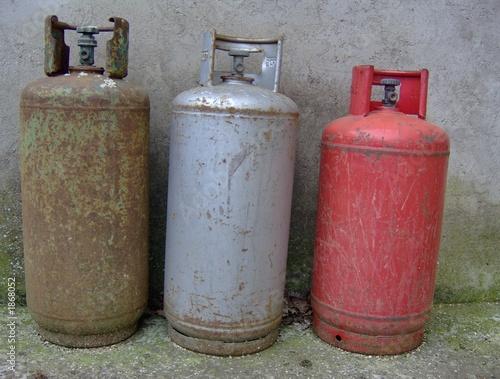 Bombole gas immagini e fotografie royalty free su for Bombole gas campeggio prezzi