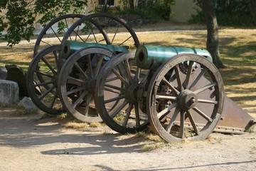 wheels and gun