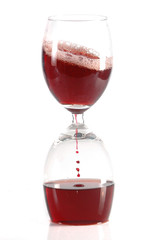 hourglass from glases of red wine