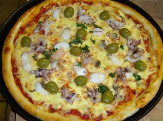 meeresfrüchte pizza