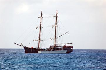 pirate ship replica taking passengers