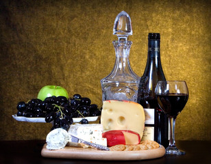 wine cheese and fruit
