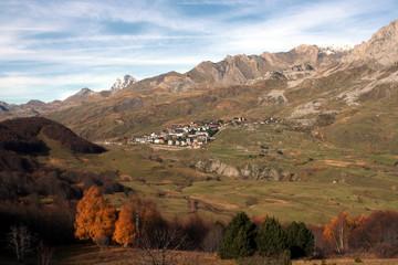 village frontalier et pic d'ossau