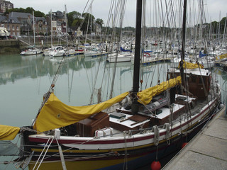 or (for later download)   the city of st valery en caux in normandy france