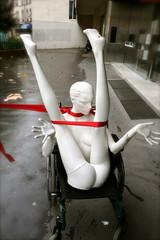 mannequin sur fauteuil