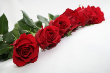 deep red roses garland