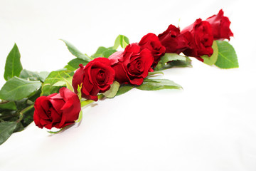 deep red roses garland