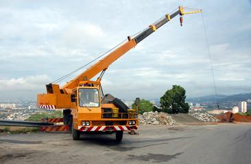 mobile crane in operation2