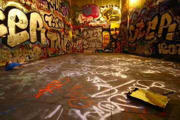 Foto op Plexiglas Graffiti graffiti wide angle with paint roller
