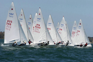 Spoed Foto op Canvas Zeilen 470 fleet start 30