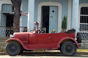 old vintage car in cuba
