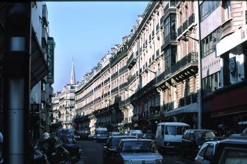 busy paris street