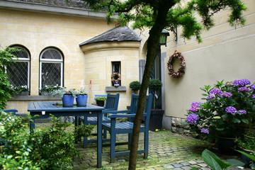 very cosy garden